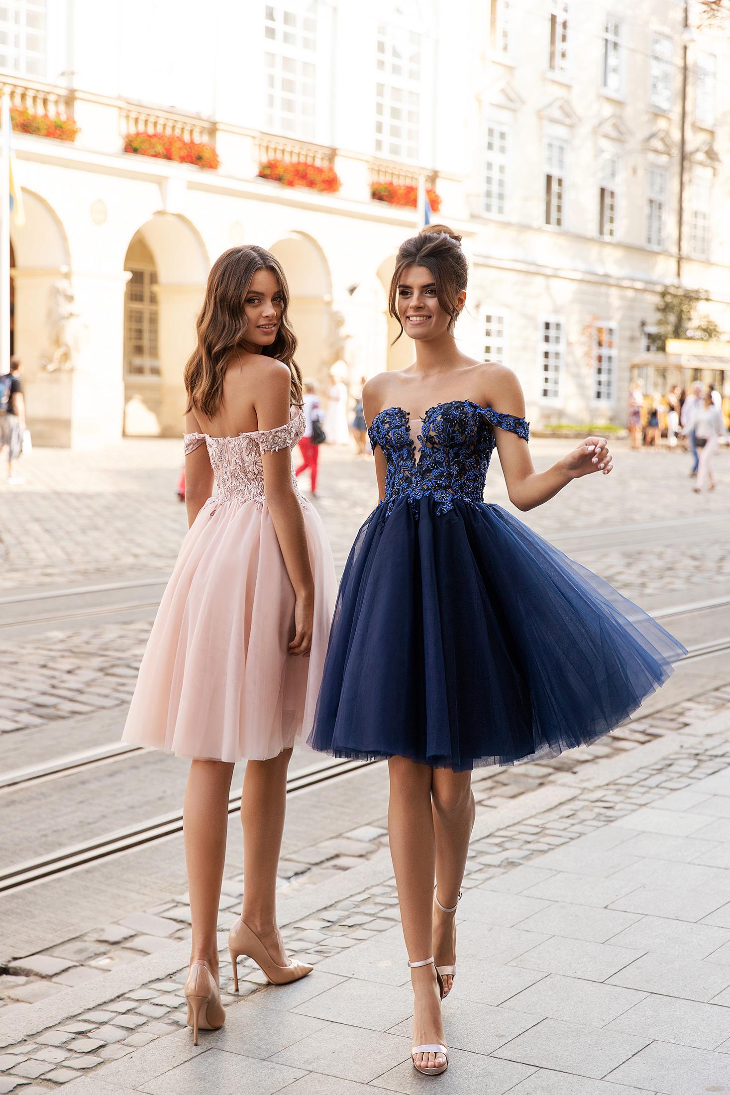 Robes de soirée bleu courte bustier tulle dentelle civil cérémonie cocktail invité