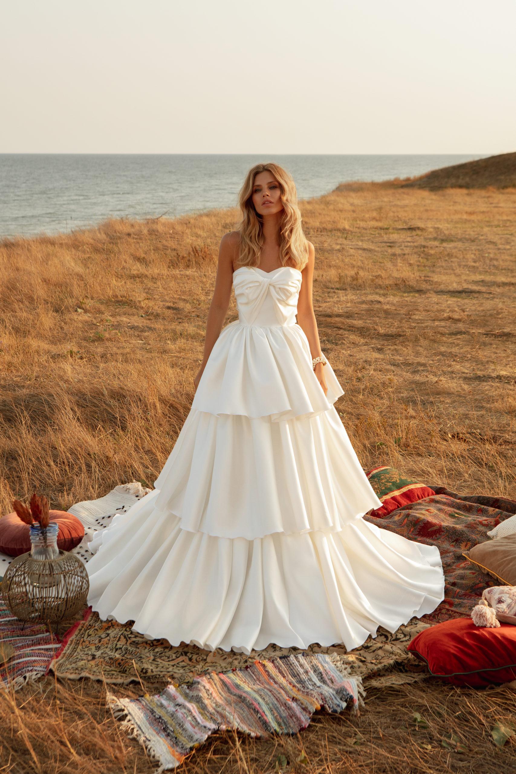 Robe de mariage blanc bustier mikado longue traine
