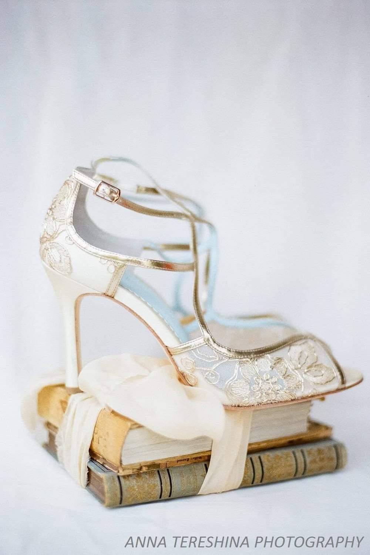 Chaussures de mariée Bellabelle 10cm talon aiguille haut sexy vintage doré gold fleur tess confort
