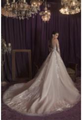 flores geneve robe de mariée suisse romande mariage 2022 bal tull jupon princesse traine rose blush nude
