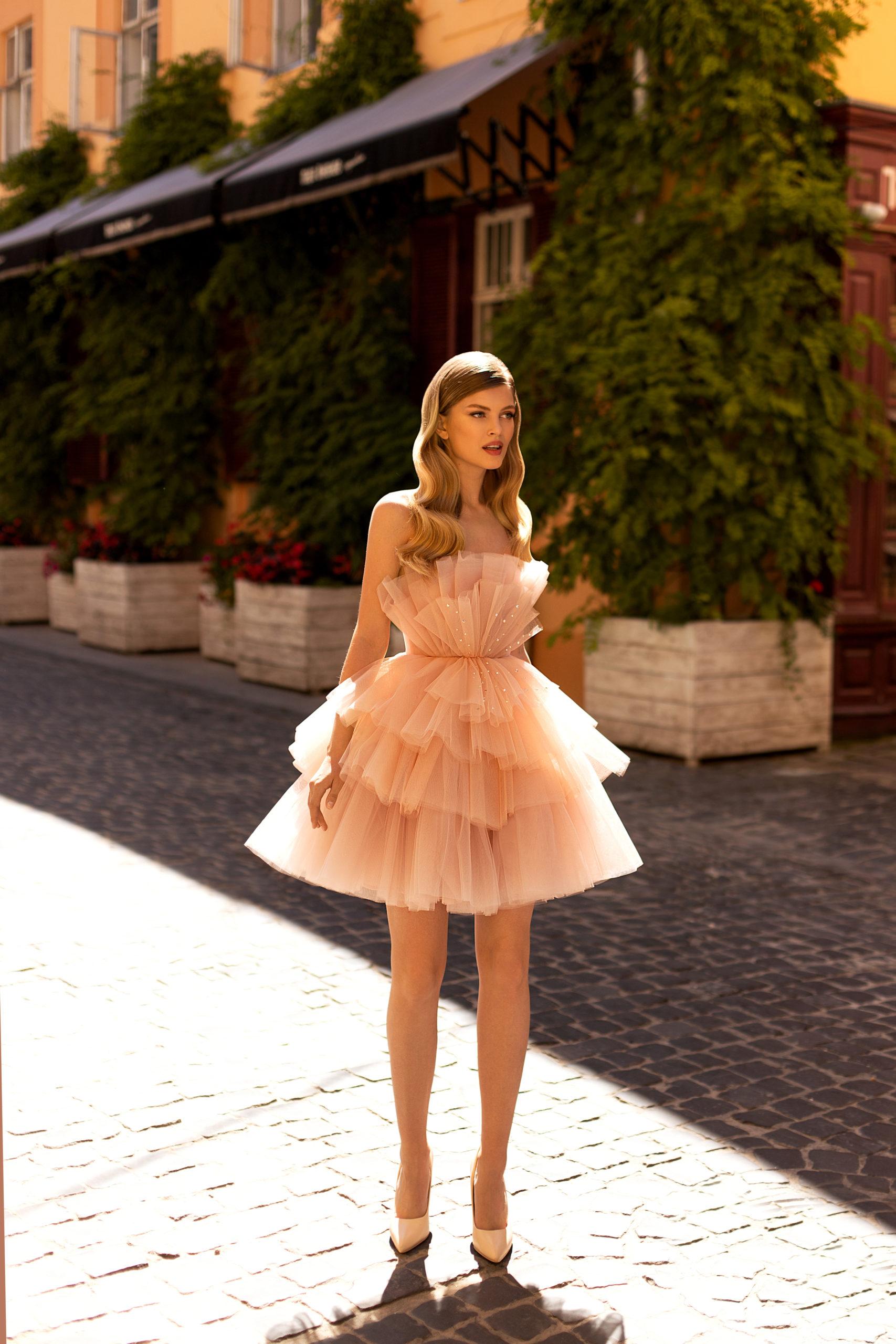 Robes haute couture Genève ricca sposa court mini rose baby pink bustier marshmallow paillettes invité cocktail