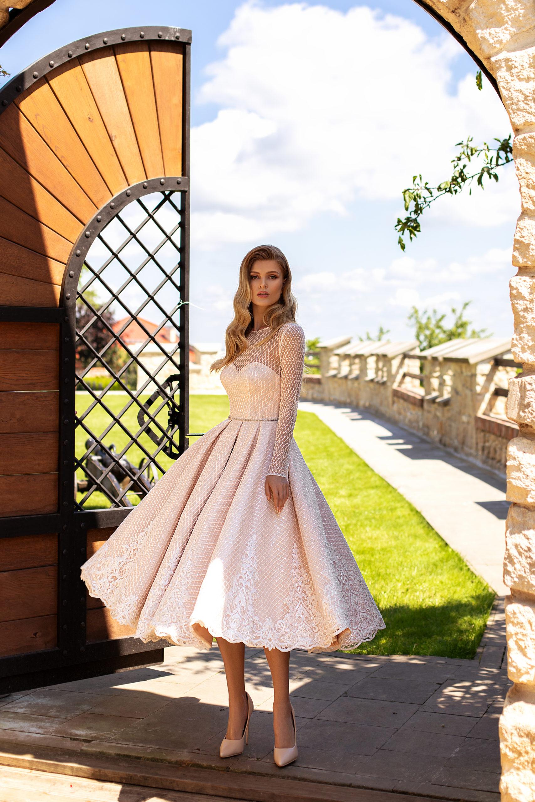 Robes haute couture Genève mariage civil manches longues blanc court midi dentelle