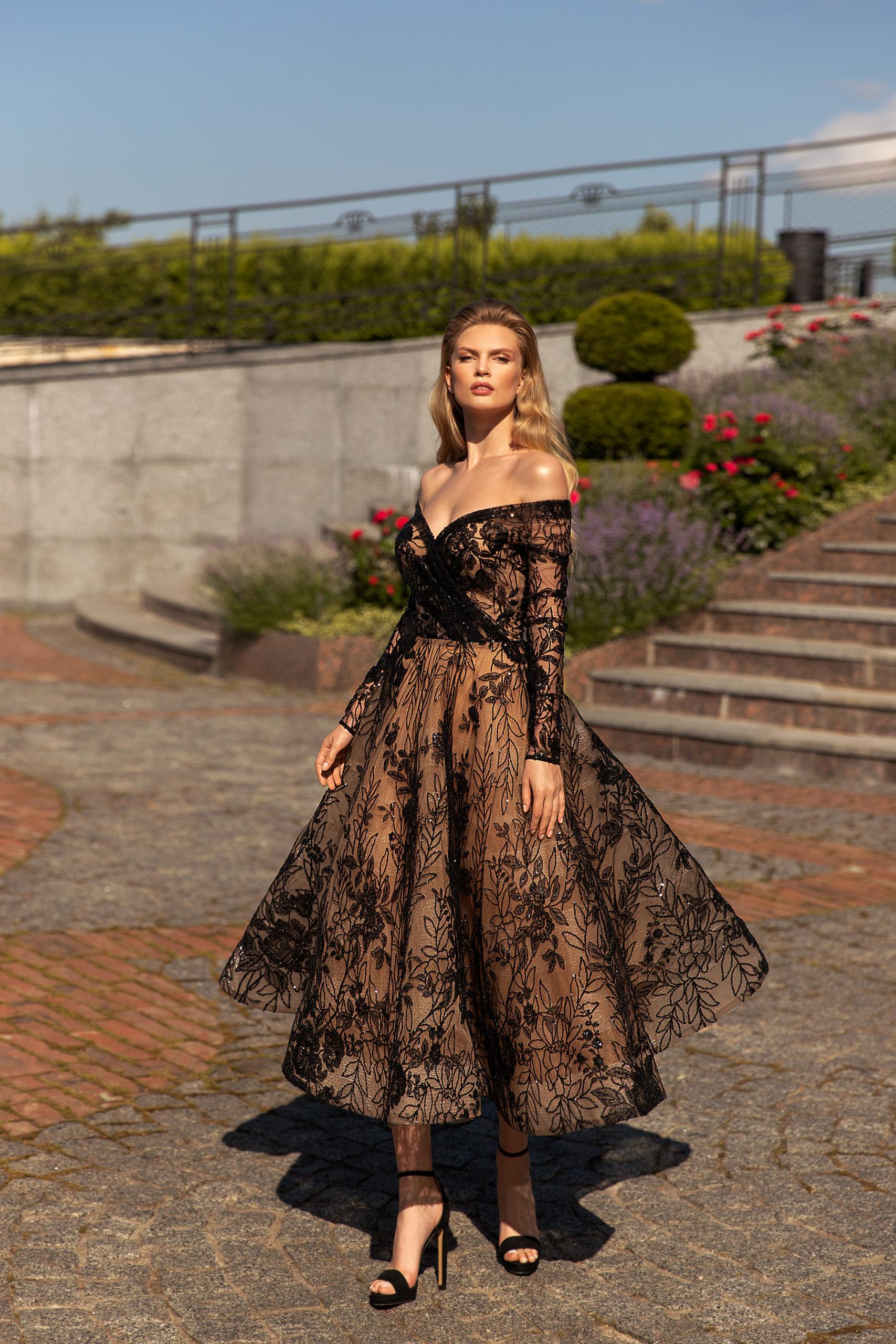 Robes haute couture invité demoiselle d'honneur Riccasposa Genève Dentelle luxe manches longues noir brodée vintage midi jupe