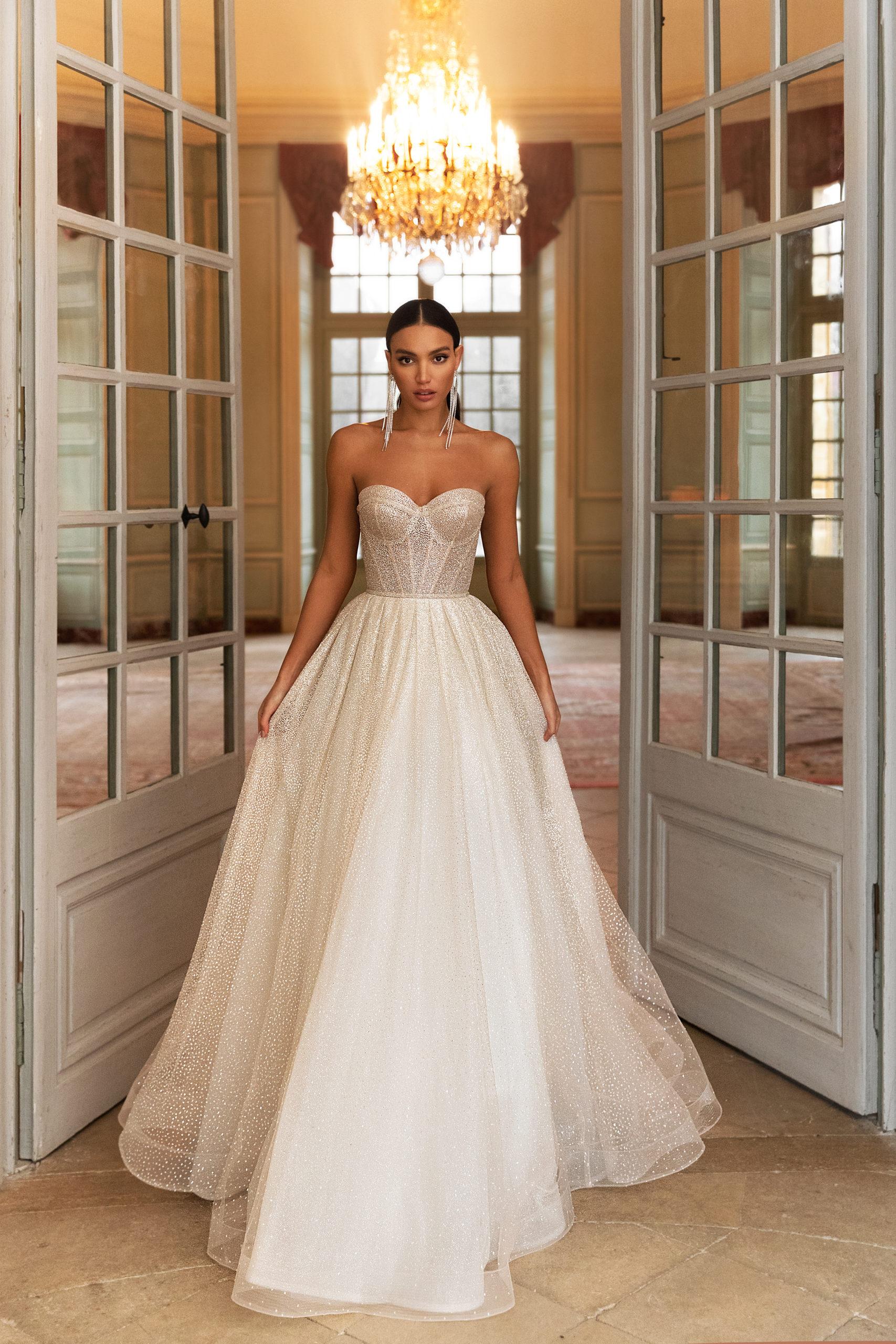 les plus belles robes de mariée genève pollardi royalty gloss paillettes strass bustier coeur princesse volume nouvelle collection tous les budgets exclusivité luxe nude blush ivoire