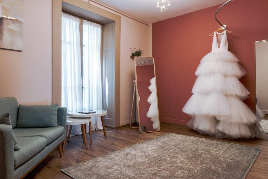 essayage rendez-vous robe princesse jupon mariage civil cérémonie boutique privé cabine champagne demoiselle d'honneur boutique genève thefdressgeneva bijoux expérience personnalisée